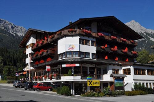 Hotel in Scheffau